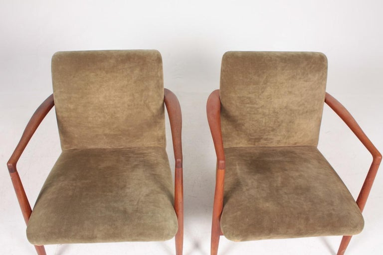Pair of Midcentury Lounge Chairs in Teak and Velvet by C.B Hansen, 1950s For Sale 3