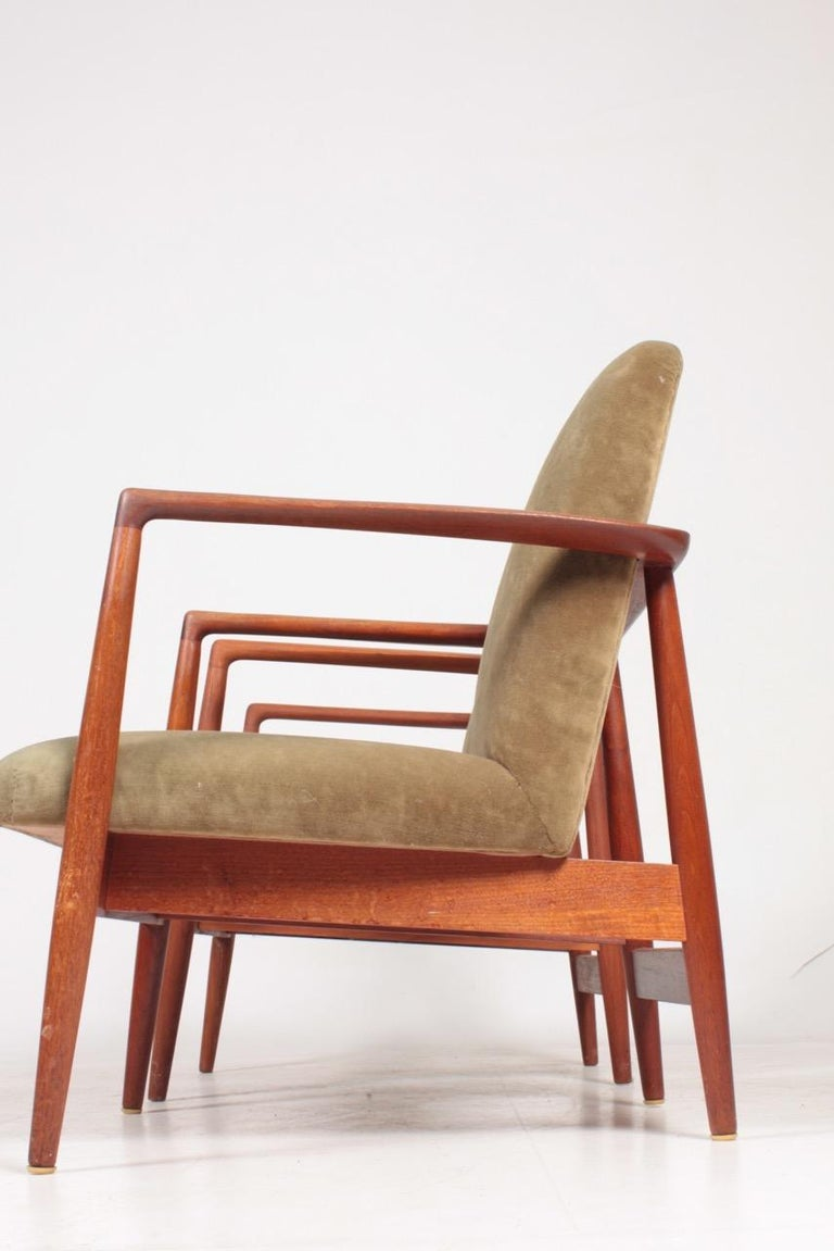 Pair of Midcentury Lounge Chairs in Teak and Velvet by C.B Hansen, 1950s For Sale 5