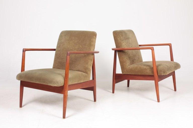 Scandinavian Modern Pair of Midcentury Lounge Chairs in Teak and Velvet by C.B Hansen, 1950s For Sale