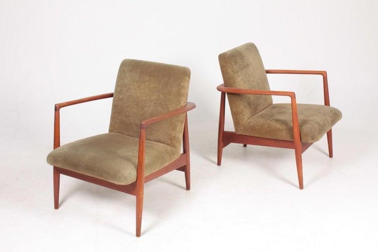 Danish Pair of Midcentury Lounge Chairs in Teak and Velvet by C.B Hansen, 1950s For Sale
