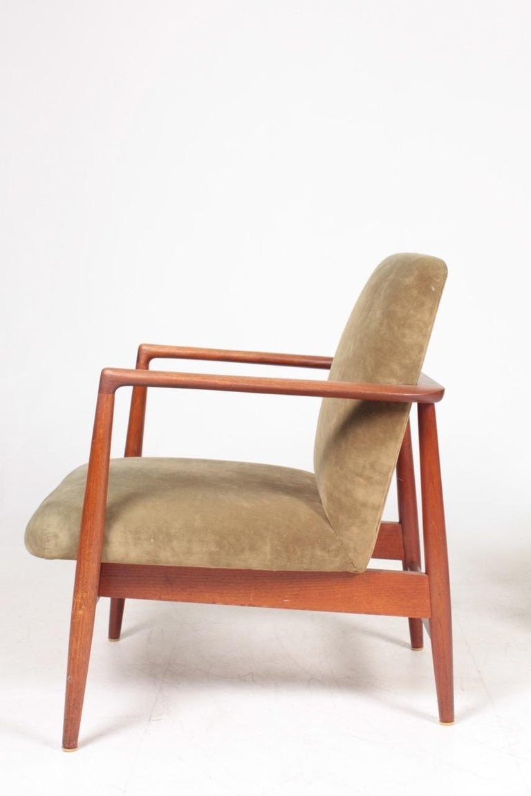 Pair of Midcentury Lounge Chairs in Teak and Velvet by C.B Hansen, 1950s For Sale 1