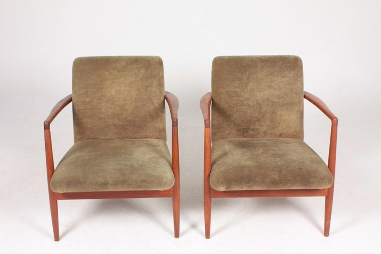 Pair of Midcentury Lounge Chairs in Teak and Velvet by C.B Hansen, 1950s For Sale 2