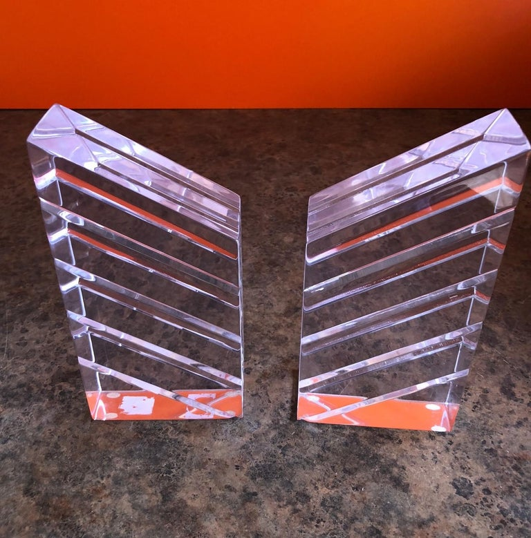 American Pair of Midcentury Lucite Bookends by Astrolite For Sale