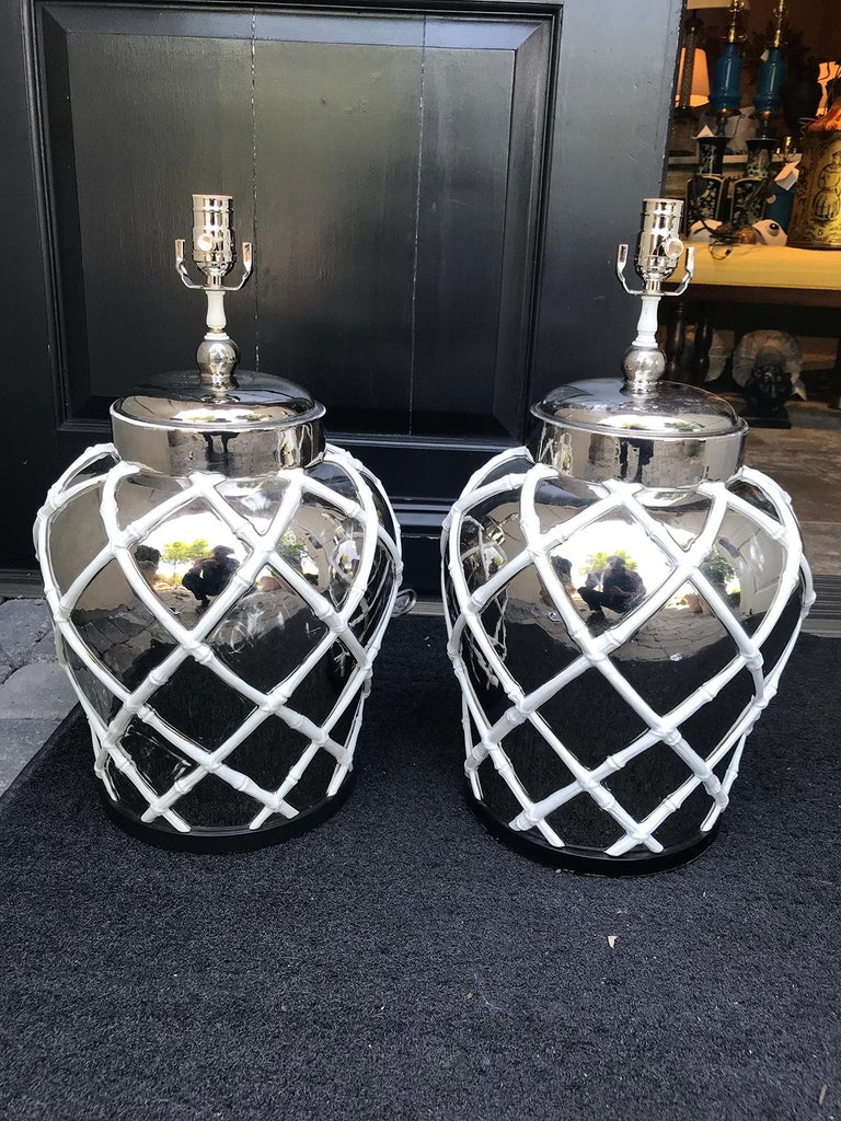 Pair of Mid-20th Century Mercury Glass Lamps with Faux Bamboo Lattice For Sale 1