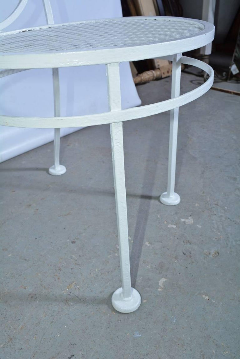Painted Pair of Midcentury Metal Patio or Garden Chairs For Sale