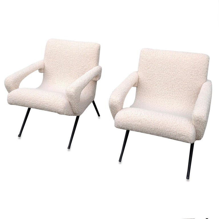 Enameled Pair of Mid-Century Modern Compact Armchairs in White Bouclette, France, 1950s For Sale