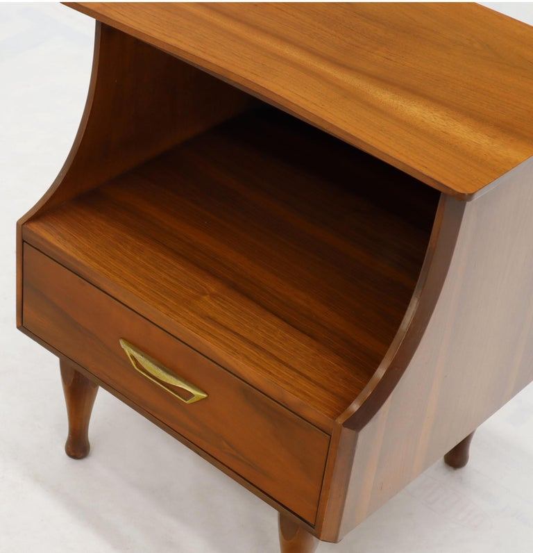 Pair of Midcentury Modern Light Walnut One Drawer Step Nightstands For Sale 1