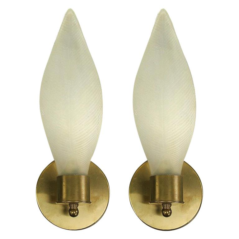Pair of Midcentury Murano Frosted Glass Leaf Sconces For Sale