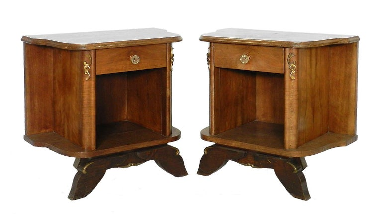 Pair of French nightstands side cabinets bedside tables, midcentury Quartered walnut tops Single drawer Good vintage condition for their age with minor marks of use.