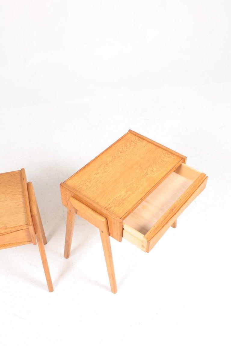 Pair of Midcentury Nightstands in Oak, Danish Design, 1960s In Good Condition For Sale In Lejre, DK