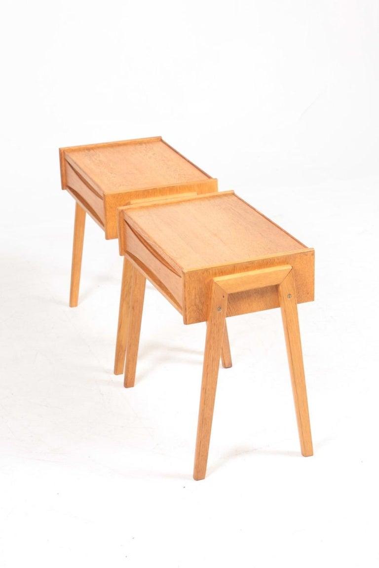 Mid-20th Century Pair of Midcentury Nightstands in Oak, Danish Design, 1960s For Sale