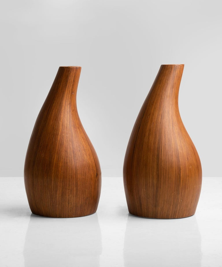 Pair of midcentury palm wood vases, America, 1950.