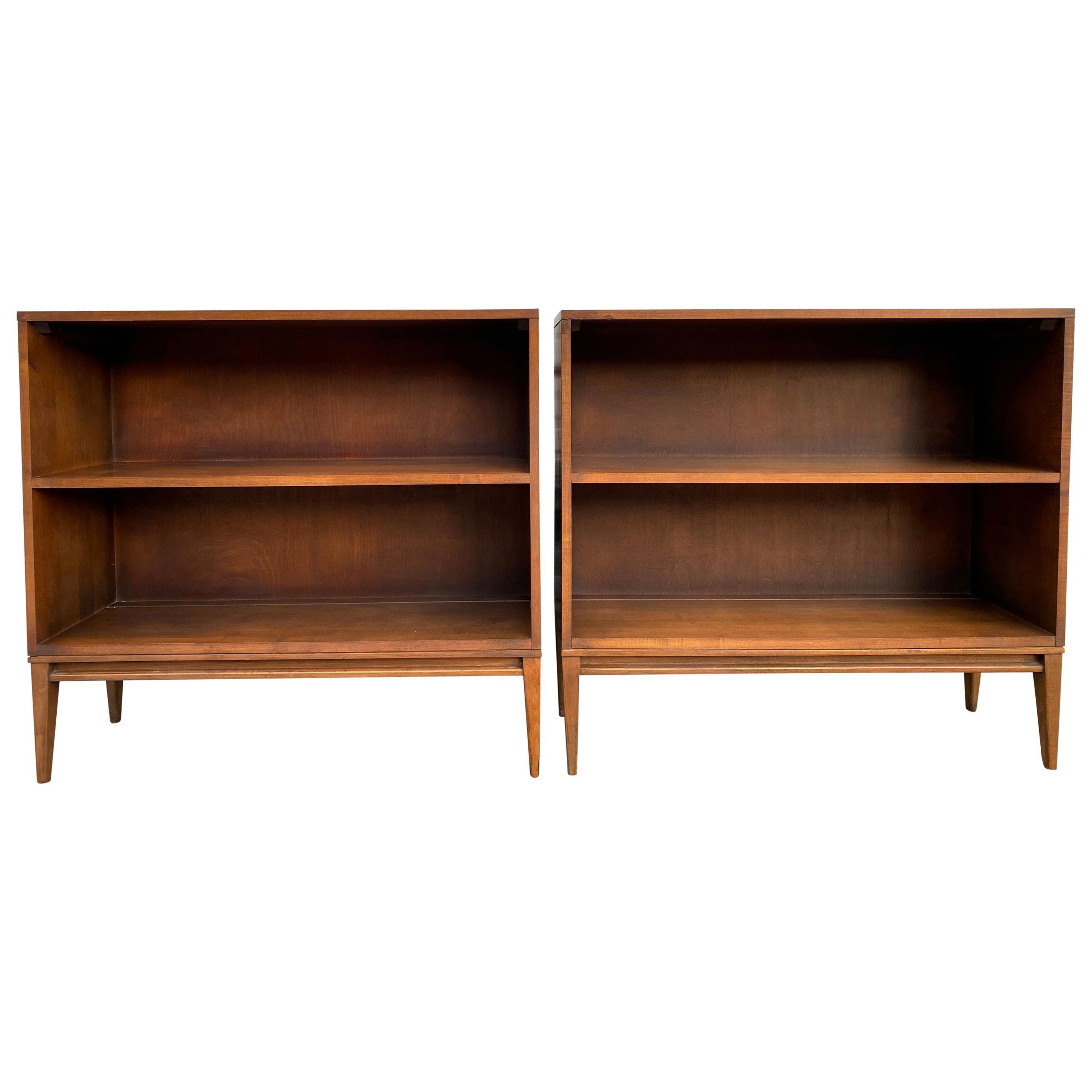 Pair of Midcentury Paul McCobb Single Bookshelves #1516 Maple Walnut Finish