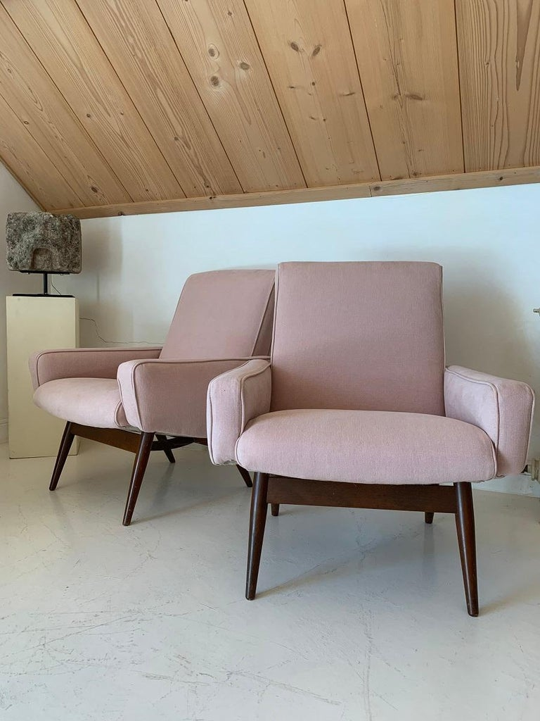 Mid-Century Modern Pair of Midcentury Pink Lounge Chairs For Sale