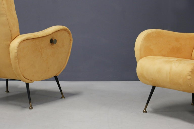 Italian Pair of Midcentury Reclining Armchairs in Yellow Velvet in Zanuso Style, 1950s For Sale