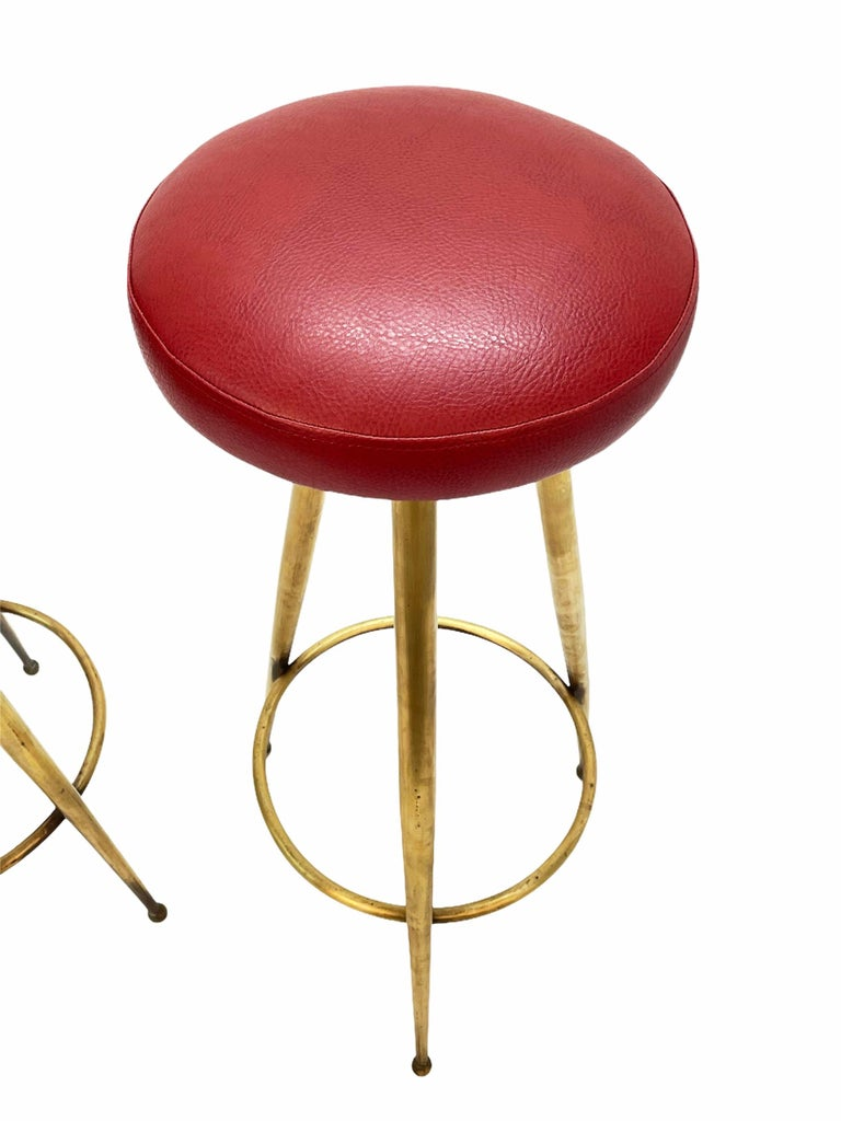 Pair of Midcentury Red Vinyl and Brass Tripod Italian Bar Stools, 1950s For Sale 7