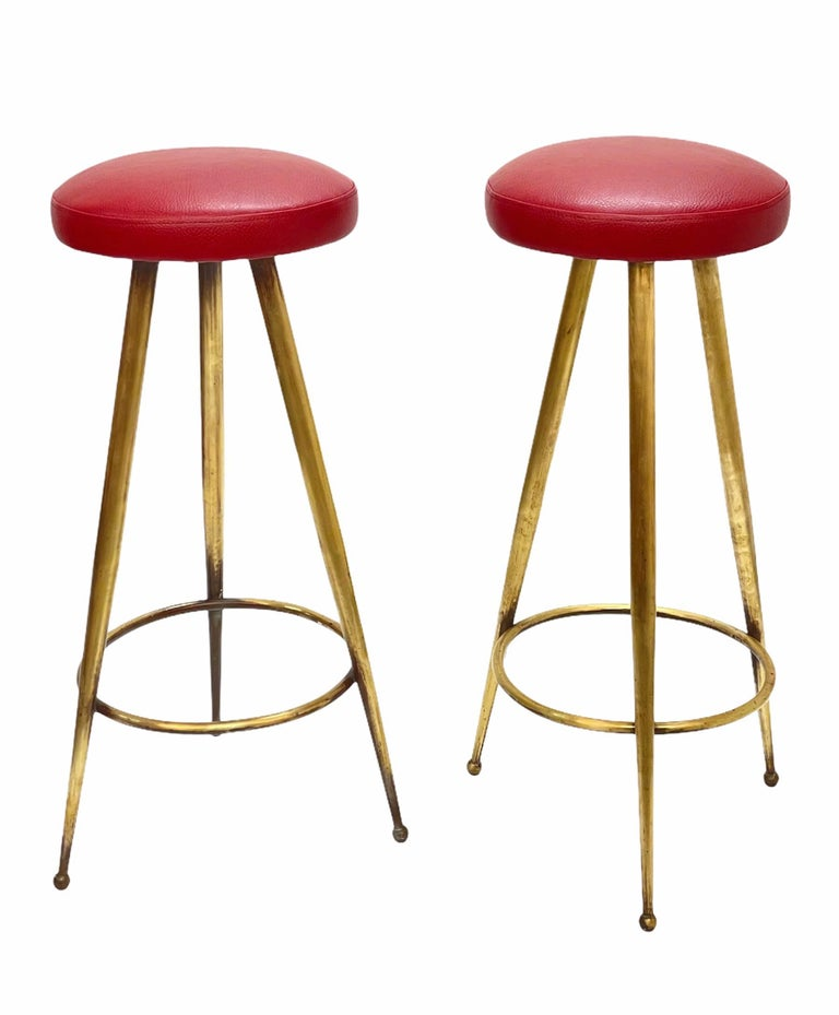Pair of Midcentury Red Vinyl and Brass Tripod Italian Bar Stools, 1950s For Sale 10