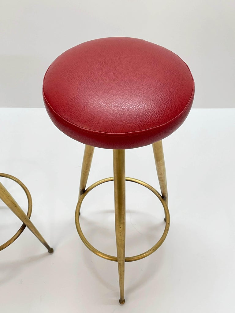 Pair of Midcentury Red Vinyl and Brass Tripod Italian Bar Stools, 1950s For Sale 11
