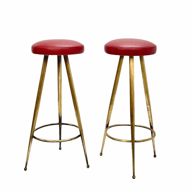 Pair of Midcentury Red Vinyl and Brass Tripod Italian Bar Stools, 1950s For Sale 3