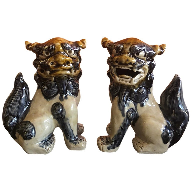 Pair of Midcentury Stoneware Foo Dogs / Bookends For Sale