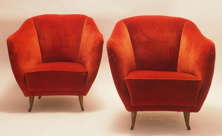 Mid-Century Modern Pair of Midcentury Velvet Italian Armchairs with Typical ISA Feet, Italy, 1950s For Sale