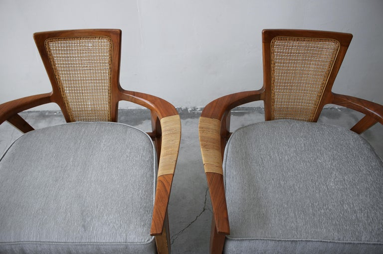 Pair of Midcentury Walnut and Cane Lounge Chairs by William Hinn For Sale 6
