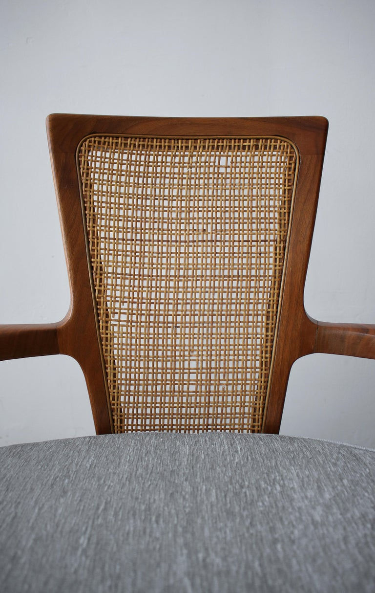Pair of Midcentury Walnut and Cane Lounge Chairs by William Hinn For Sale 7