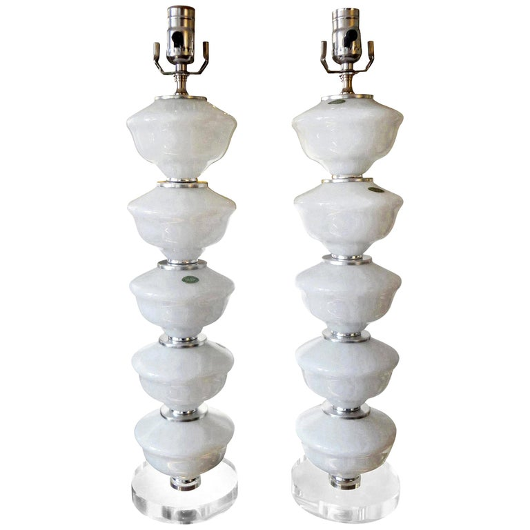Pair of Midcentury White Murano Glass Lamps For Sale