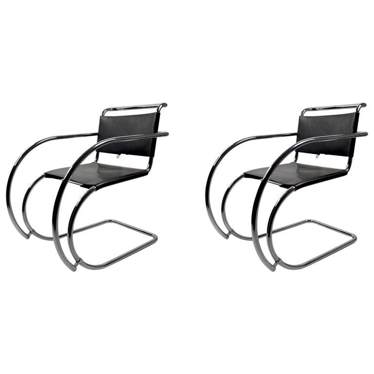 Pair of Mies van der Rohe MR Lounge Chairs Black Leather and Chrome For Sale