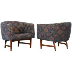 Pair of Milo Baughman Style Barrel Back Lounge Chairs, 1960s