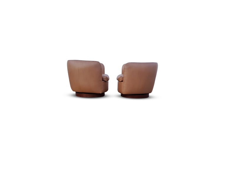 Pair of Milo Baughman for Thayer Coggin Tilt / Swivel Lounge Chairs In Good Condition For Sale In Middlesex, NJ