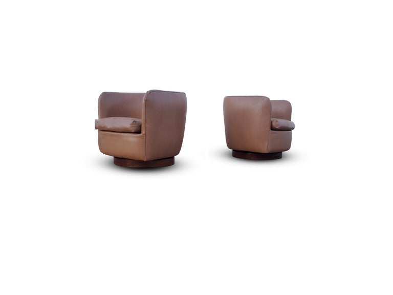 Pair of Milo Baughman for Thayer Coggin Tilt / Swivel Lounge Chairs For Sale 1