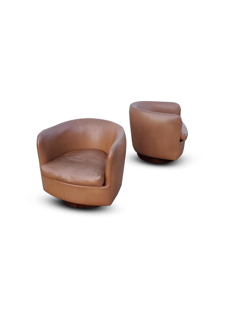 Pair of Milo Baughman for Thayer Coggin Tilt / Swivel Lounge Chairs For Sale 2