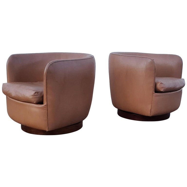 Pair of Milo Baughman for Thayer Coggin Tilt / Swivel Lounge Chairs For Sale