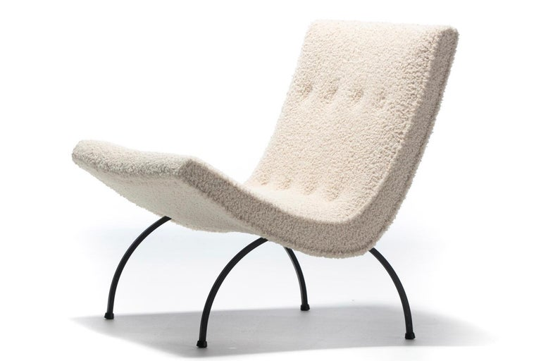 Mid-Century Modern Pair of Milo Baughman Scoop Chairs in Ivory Bouclé with Iron Legs c. 1950s For Sale