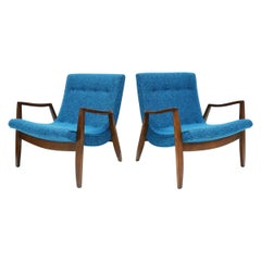 Pair of Milo Baughman Scoop Lounge Chairs in Knoll Upholstery