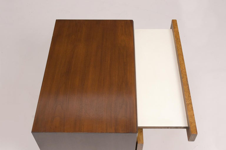 Wood Pair of Milo Baughman Style Burled Nightstands For Sale