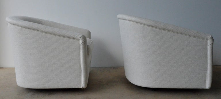 Pair of Milo Baughman Style New White Upholstery Swivel Chairs with Back Cushion For Sale 2