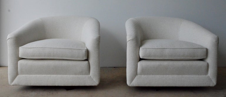 Pair of Milo Baughman Style New White Upholstery Swivel Chairs with Back Cushion For Sale 3