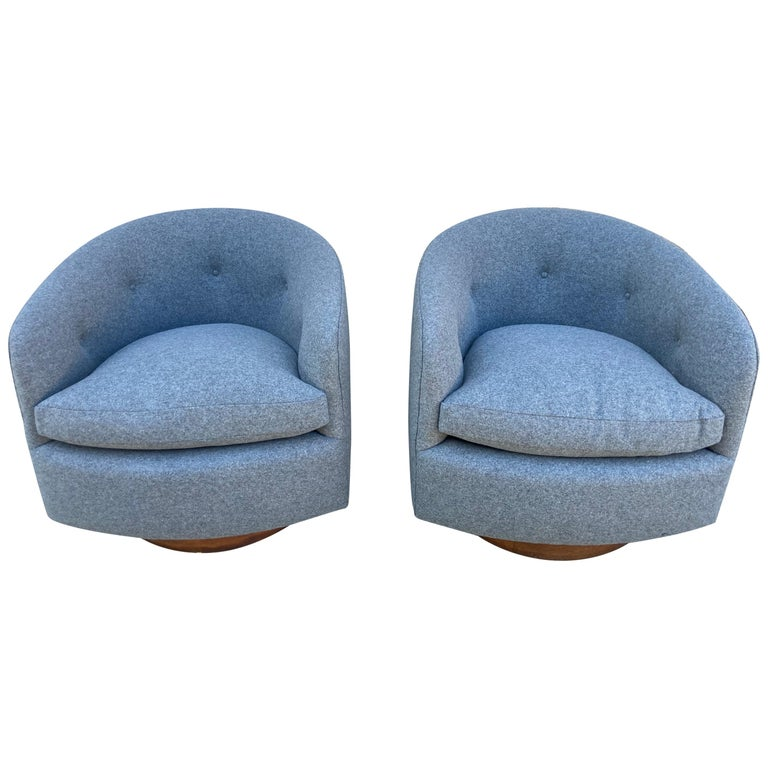 Pair of Milo Baughman Swivel Chairs For Sale
