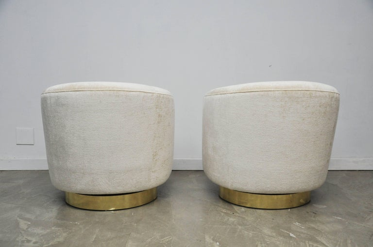 Pair of Milo Baughman Swivel Chairs on Brass Bases For Sale 3