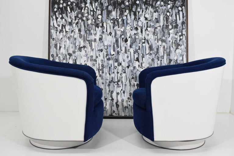 20th Century Pair of Milo Baughman Tilt/Swivel Lounge Chairs in Blue with White Lacquer For Sale