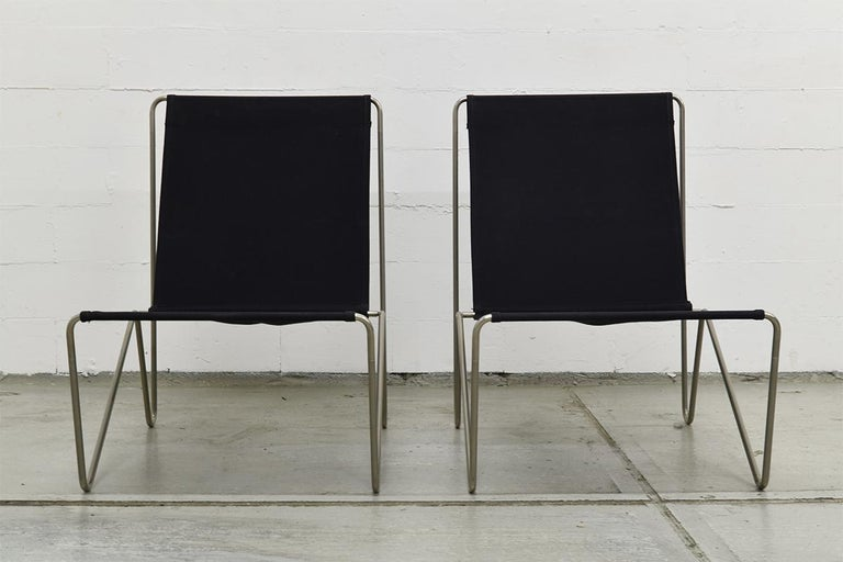 Pair of Minimalist Black Bachelor Chairs by Verner Panton for Fritz Hansen 1960s For Sale 4