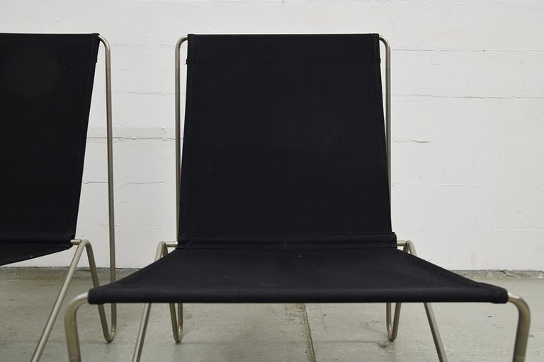 Pair of Minimalist Black Bachelor Chairs by Verner Panton for Fritz Hansen 1960s For Sale 5