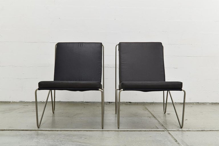 Pair of Minimalist Black Bachelor Chairs by Verner Panton for Fritz Hansen 1960s For Sale 7