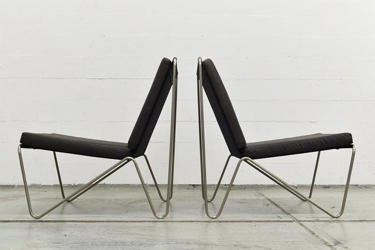 Scandinavian Modern Pair of Minimalist Black Bachelor Chairs by Verner Panton for Fritz Hansen 1960s For Sale
