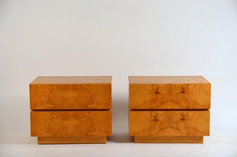 Pair of Minimalist Burl Wood Nightstands by Lane For Sale 3