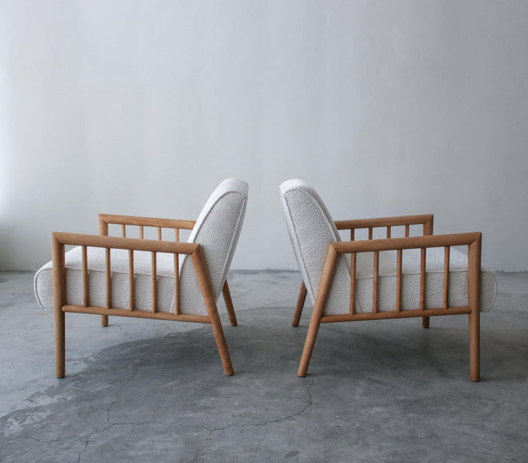 Mid-Century Modern Pair of Minimalist Midcentury Lounge Chairs by Conant Ball For Sale