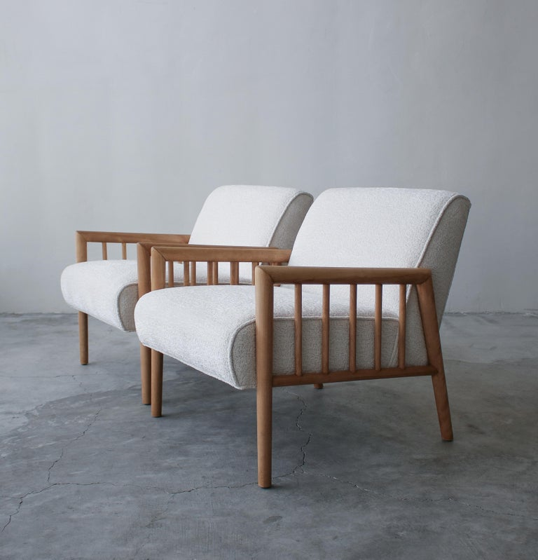 Pair of Minimalist Midcentury Lounge Chairs by Conant Ball In Good Condition For Sale In Las Vegas, NV