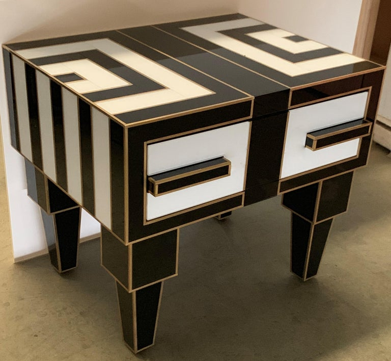 Pair of Mirrored and Brass Nightstands with One-Drawer in Black and White For Sale 3